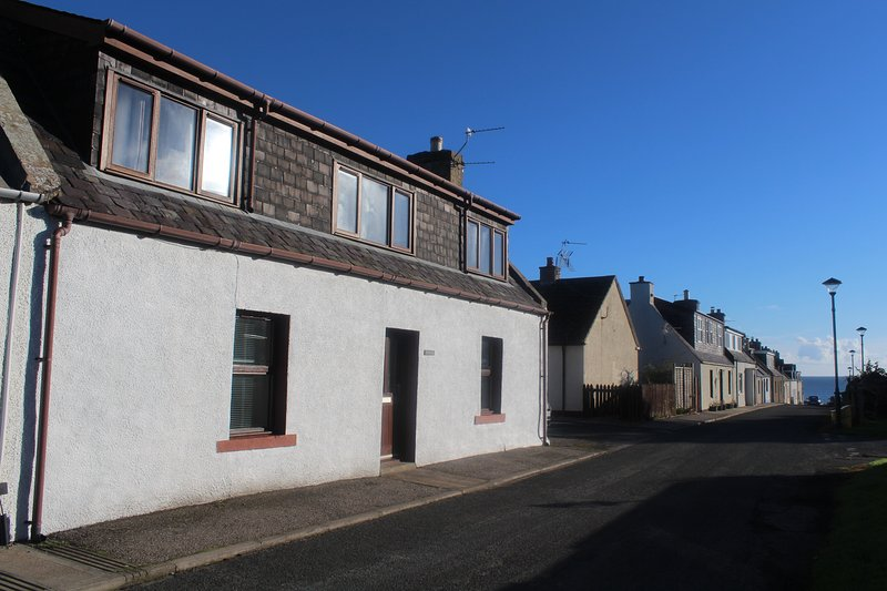 The Coul Hoose is just a 2 minute walk from the beautiful Embo beach.