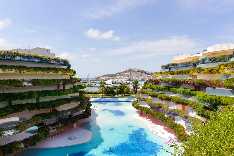 luxury Marina IBIZA long stay, location de vacances à Santa Agnes de Corona