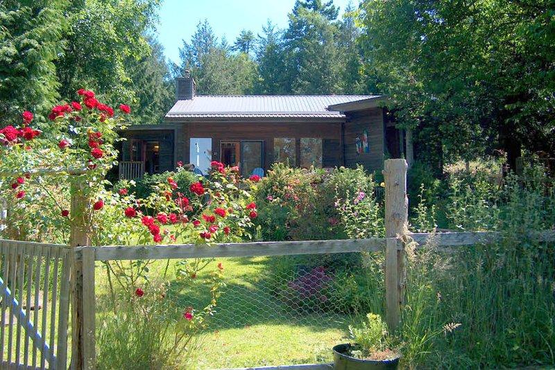 KEMA House - Front yard garden facing waterfront