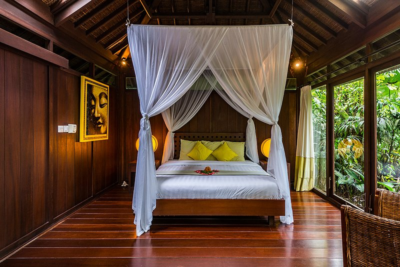 Heaven in Bali - Yellow Orchid Room, holiday rental in Bangli