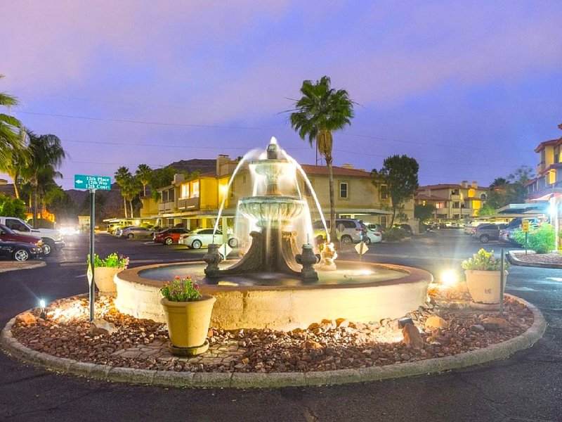 Central Fountain and Roundabout at Nightfall