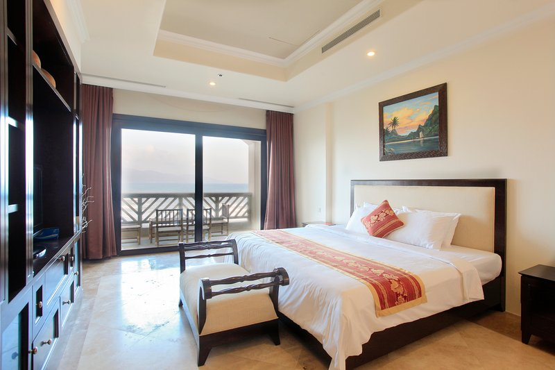 Penthouse 6 Bedroom, holiday rental in Khue My