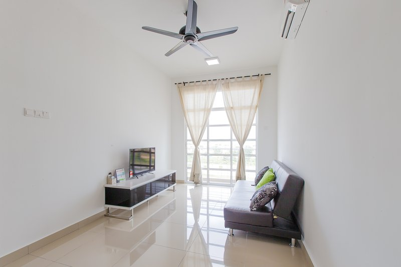 12stay.my Nusa Heights Apartment (3Bedroom) C0703, holiday rental in Gelang Patah