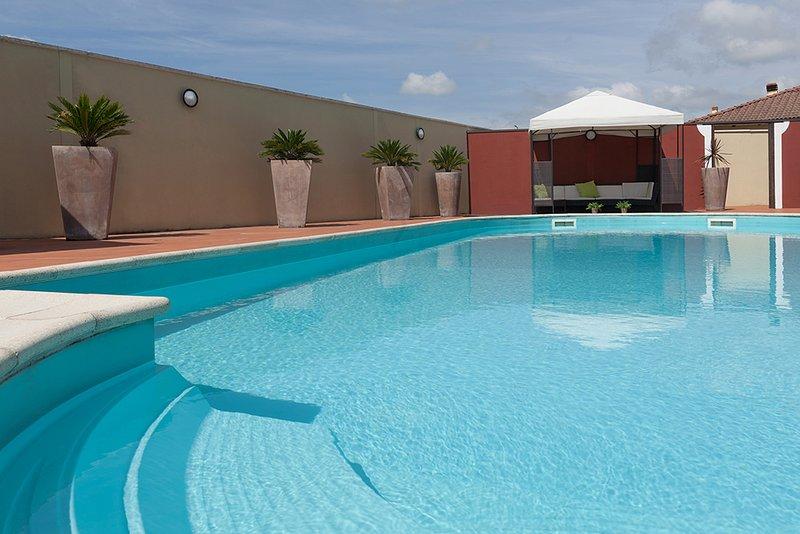 angle Pool