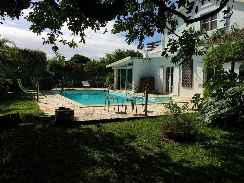 La Villa Carambole 'chambre d'hôtes ', location de vacances à Arrondissement de Saint-Denis