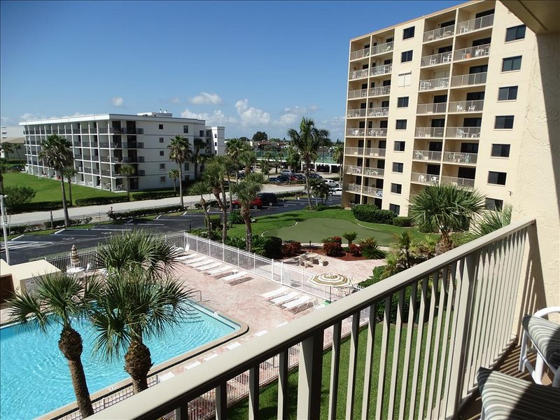 Close to the most beautiful part of Cocoa Beach!  Walk to the Pier along the beach!