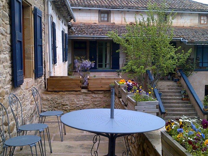 Passez vos vacances au calme à la Fleur d'Orient, holiday rental in Verrieres