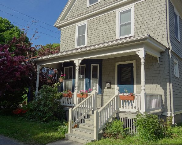 Begrüßung Sie Spindrift Cottage, in einer ruhigen Seitenstraße in der Innenstadt von Bar Harbor