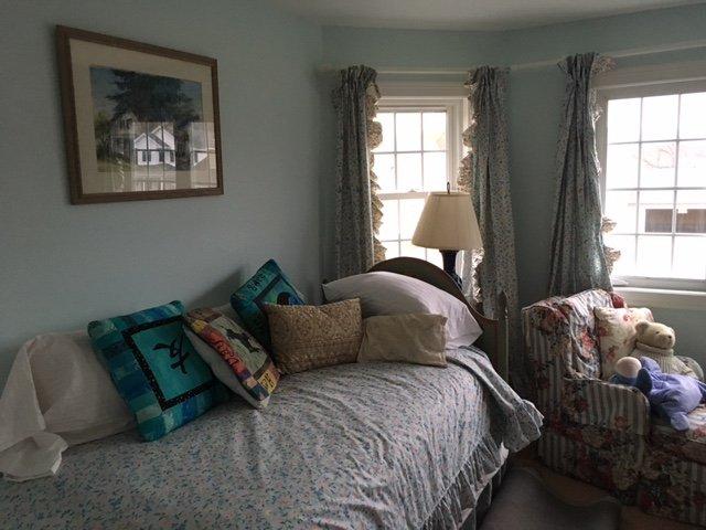 één kamer met ruimte voor opblaasbare bed.