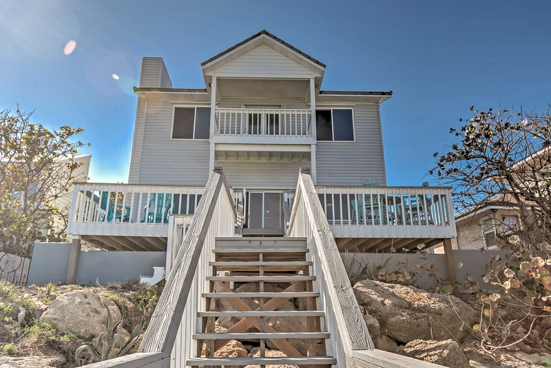 Tranquil Oceanfront New Smyrna Beach Home w/ Deck!, vacation rental in Edgewater