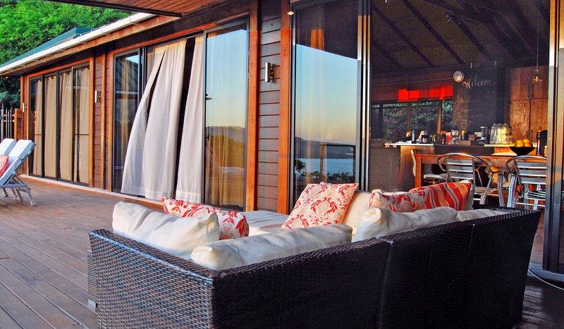 40 fot av glasdörr fasad så utsikten kan följa dig i varje rum