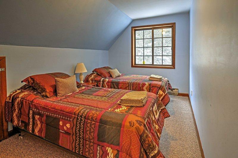 Estas duas camas de tamanho prometem um sono tranquilo.