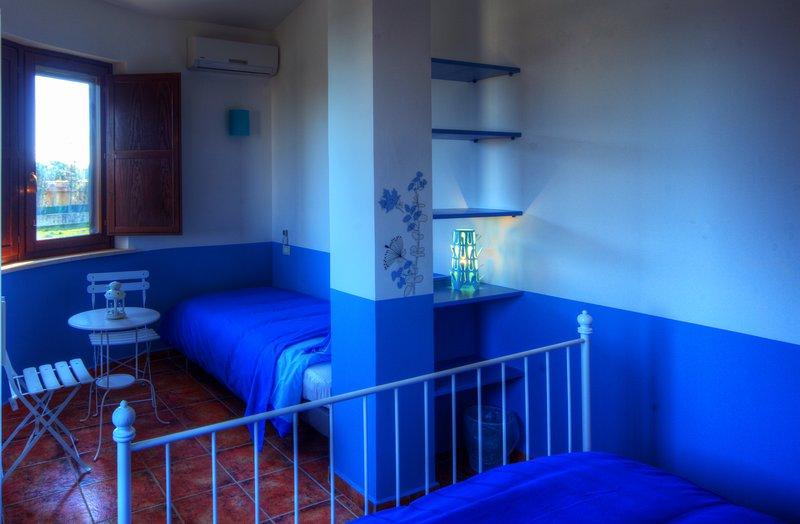 cama individual de triple ángulo