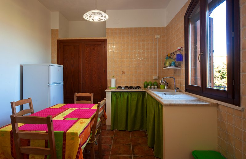 cocina y lavadero en la parte inferior
