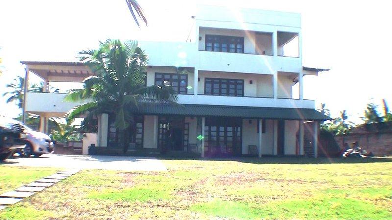 Infinity Ocean Resort, alquiler vacacional en Kandana