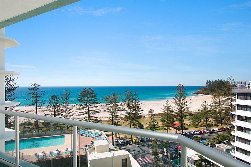 Ocean Plaza Unit 835 - Beachfront in Central Coolangatta, vacation rental in Gold Coast