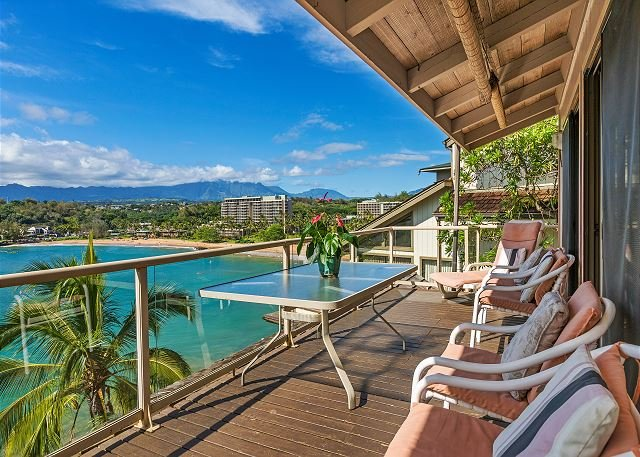 Pali Kai A, Rustic Cottage, Breathtaking Ocean and Mountain Views, AC, vacation rental in Lihue