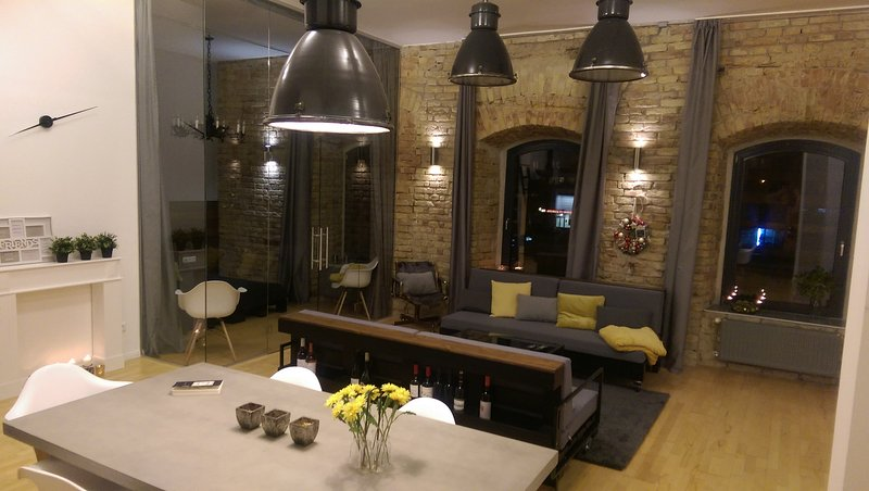 Loft Apartment Budapest, holiday rental in Gyal