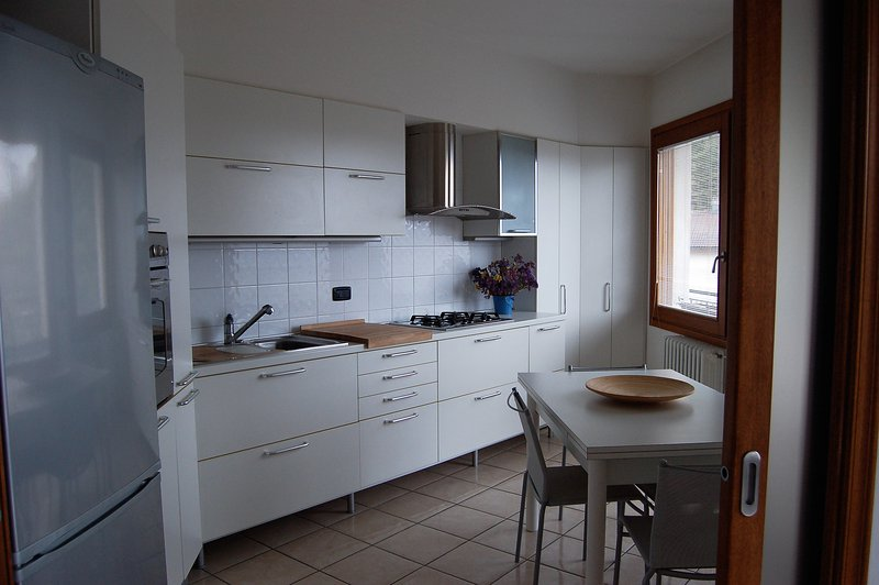 Modern, large flat with panoramic view, vacation rental in Chiesina-Farne