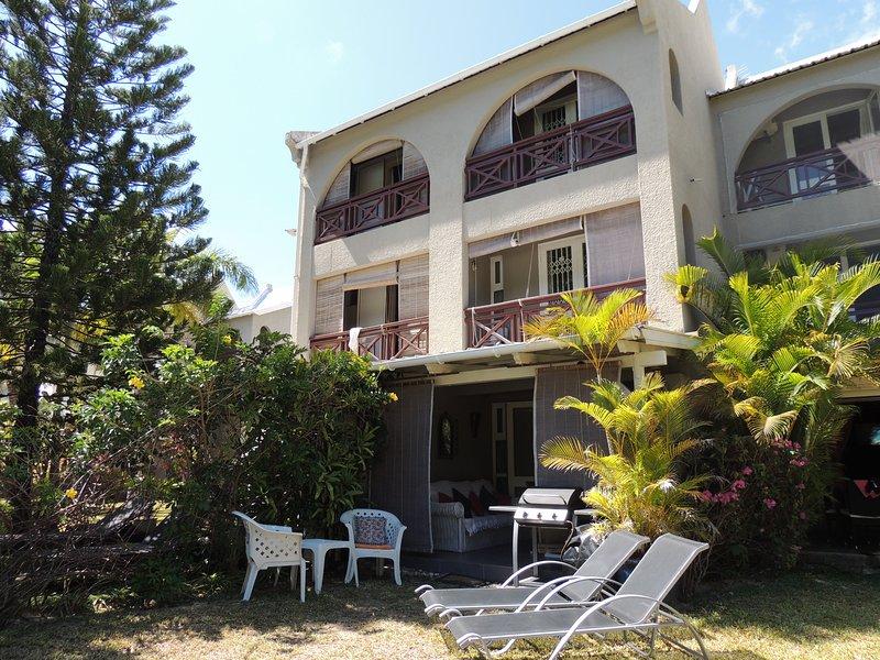 Kenville Tropical Garden - Opposite Beach, holiday rental in Riviere du Rempart District