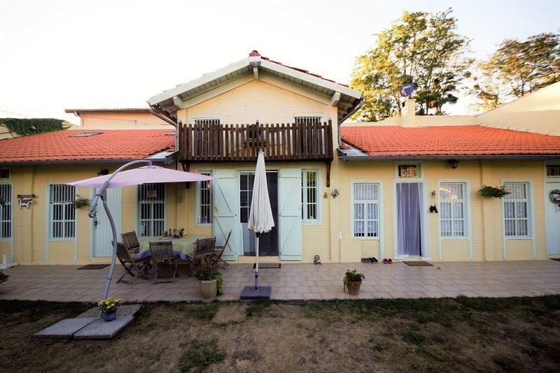 Mooi vakantiehuis voor 4 personen, alquiler vacacional en Belesta