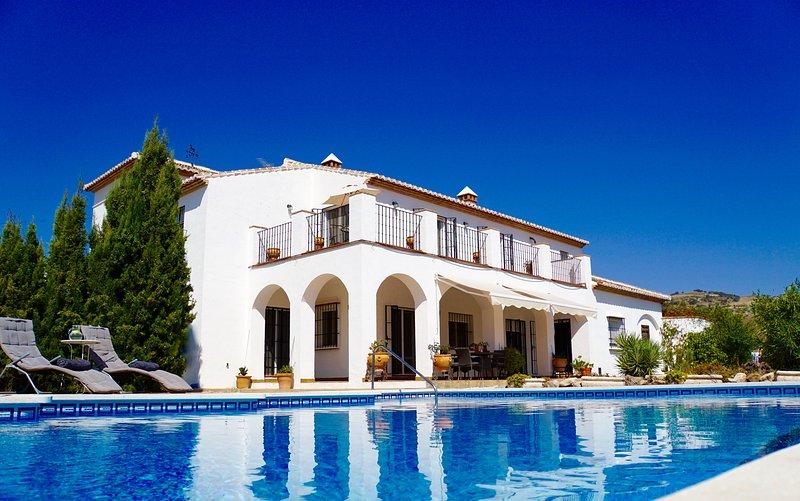 cortijo rústica espaçosos na bela paisagem rural da Andaluzia