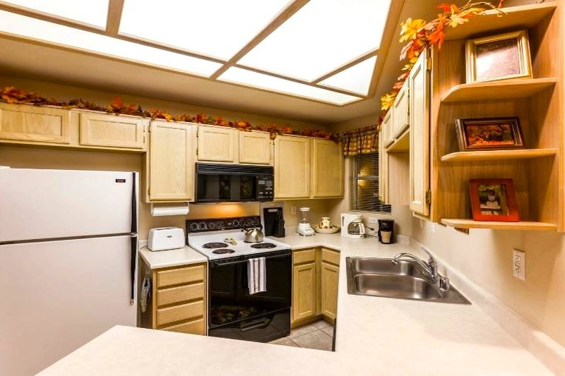 Kitchen (fully equipped; view #1)