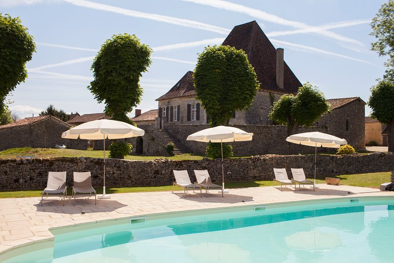 Château with heated  pool