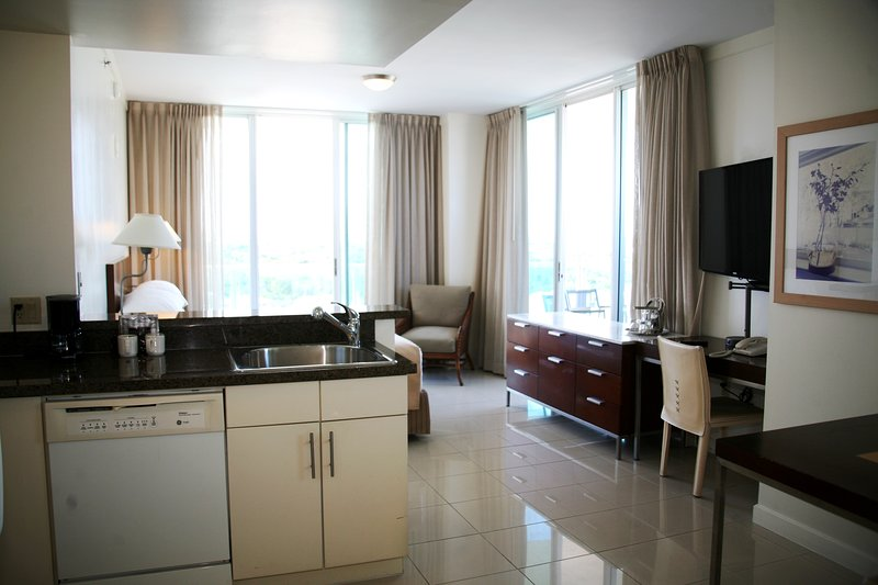 4 Stars Private Residence at Sonesta Coconut Grove, holiday rental in Coral Gables
