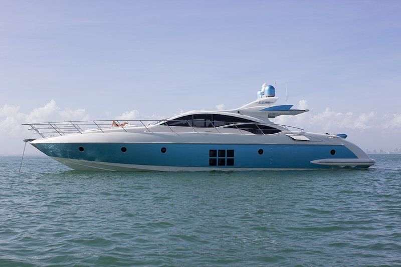 70' Luxury Motor Yacht with Captain and crew sailing from Miami Beach