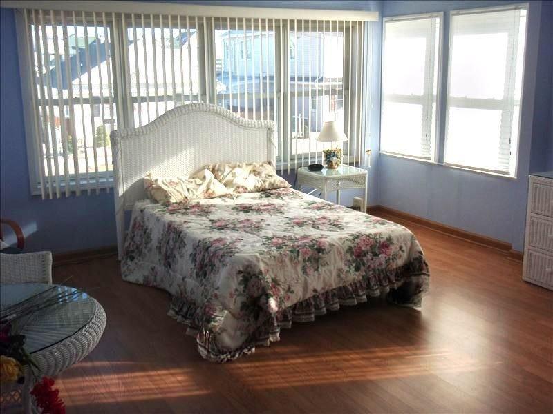 One Block to the Beach!!!  Jersey Shore, location de vacances à Seaside Park