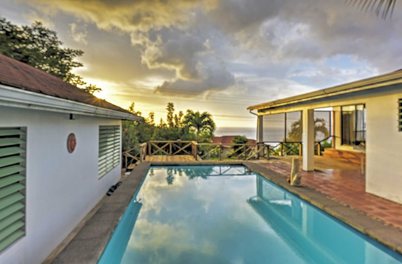Caribbean Bungalow w/ Pool & Panoramic Ocean Views, aluguéis de temporada em Montserrate