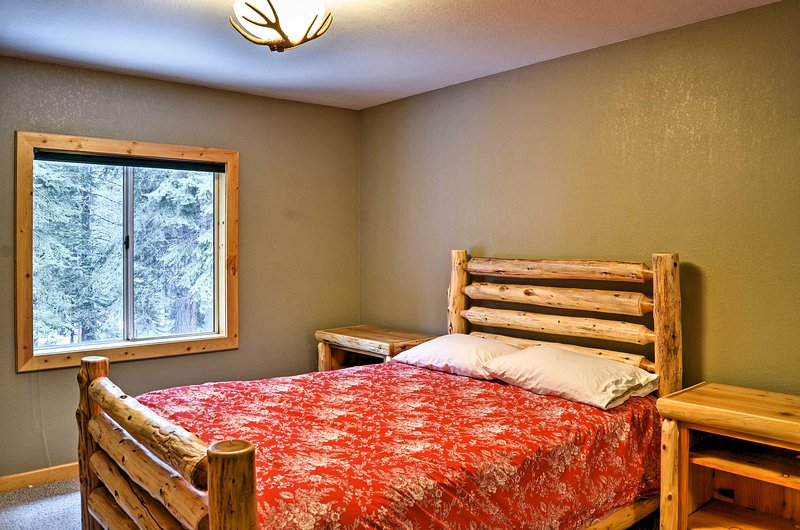 Slip into a deep sleep on the full bed in the second bedroom.
