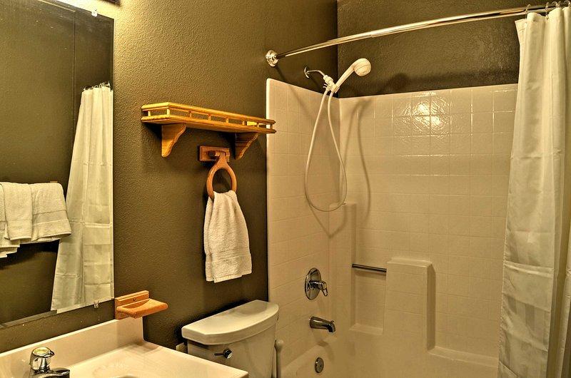 Disegna un bagnoschiuma rilassante nella combinazione doccia / vasca!