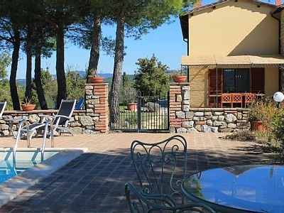 Private Tranquil Home in the Hills of Ficulle, holiday rental in Fabro Scalo