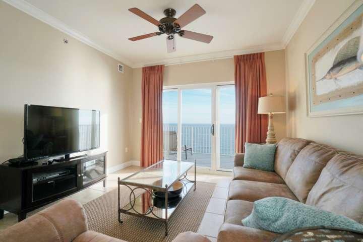 Woonkamer met uitzicht op de Golf-front van de 19e verdieping