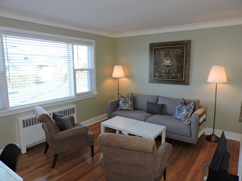Little Jewel in Central Ottawa, vacation rental in Carp