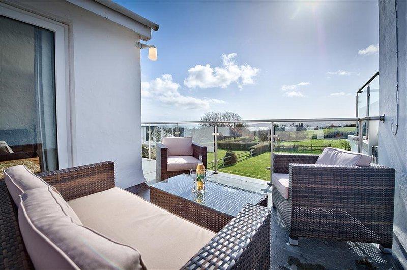 2 Ynys Fawr (2YNYSF), vacation rental in Abersoch