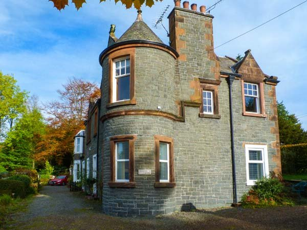 2 MEADOW HOUSE ground floor apartment, garden, pet-friendly in Moffat Ref 947805, vacation rental in Eskdalemuir