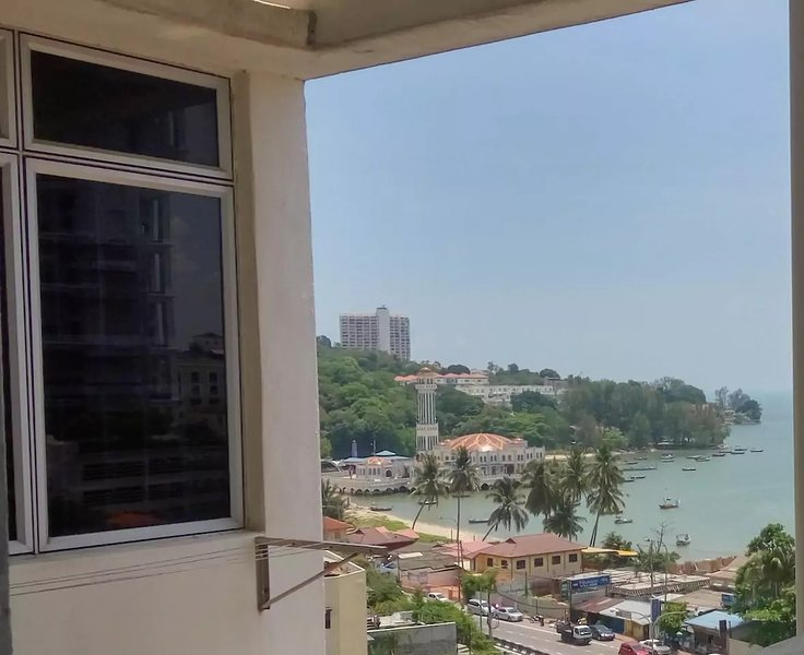 Seaview Homestay at  Tanjung Bungah, location de vacances à Tanjung Bungah