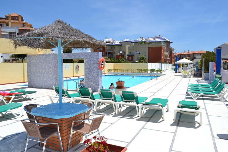 rooftop pool with children´s section and cafe bar