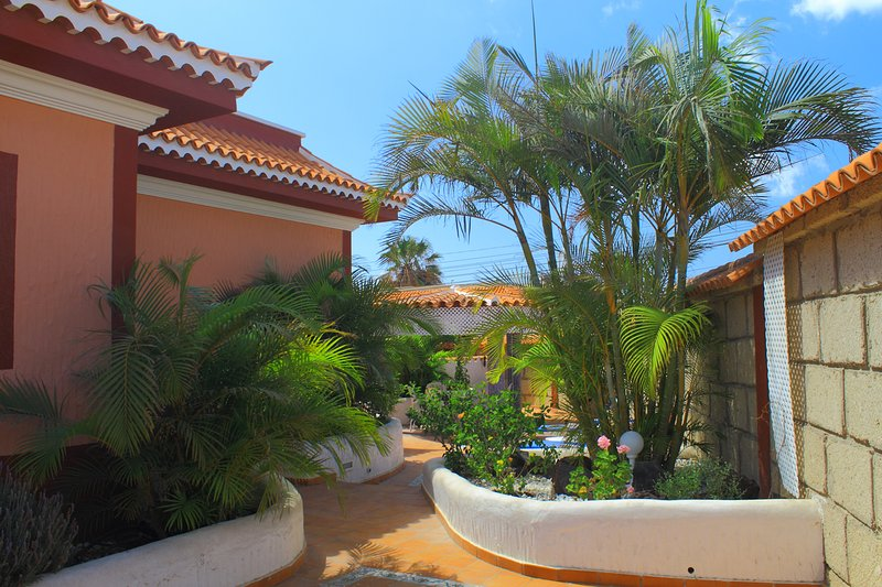 3 houses near the sea, vacation rental in Atogo