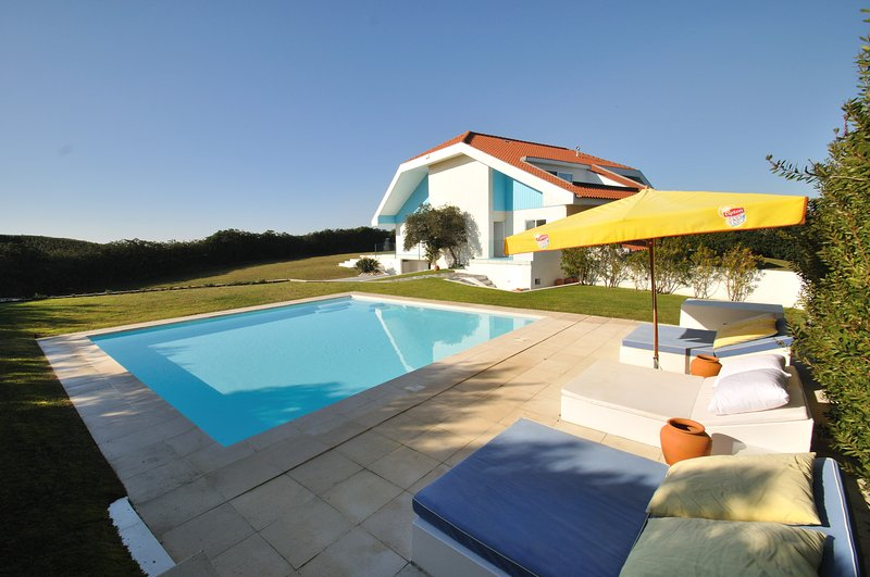'Sea la Vie' - Beach Front - Sea Views - Heated Pool - Sleeps 14 - Near Porto, location de vacances à Ofir
