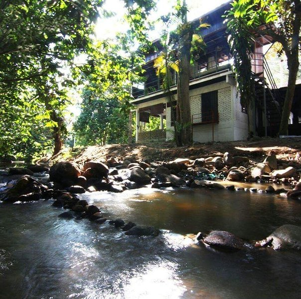 Ruang At Janda Baik Ecostay Has Housekeeping Included And Balcony Updated 2021 Tripadvisor Janda Baik Vacation Rental