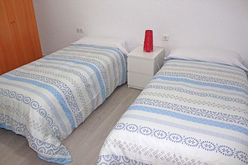 Room 4 (2 beds)