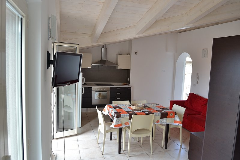 Apartment in residence Zoe, 150 meters from the sea, town center., casa vacanza a Notaresco