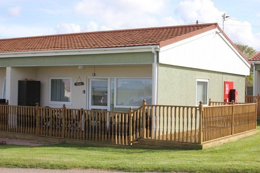Seaview Cottage Bacton Norfolk - Dog Friendly, vacation rental in Worstead