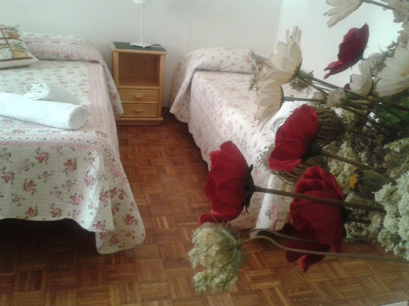 Possibility to make two single beds