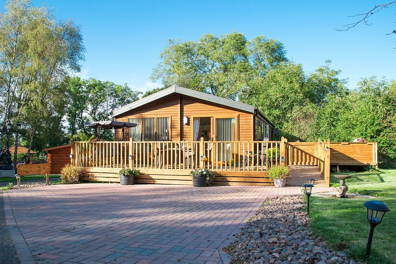 Owners of Woodys Lodge, a 3 bed luxury property with hot tub. Pet Friendly.