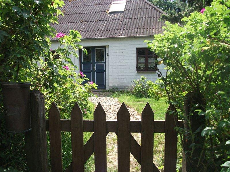 Gemuetlich eingerichtetes familienfreundliches altes Bauernhaus, vakantiewoning in Breklum